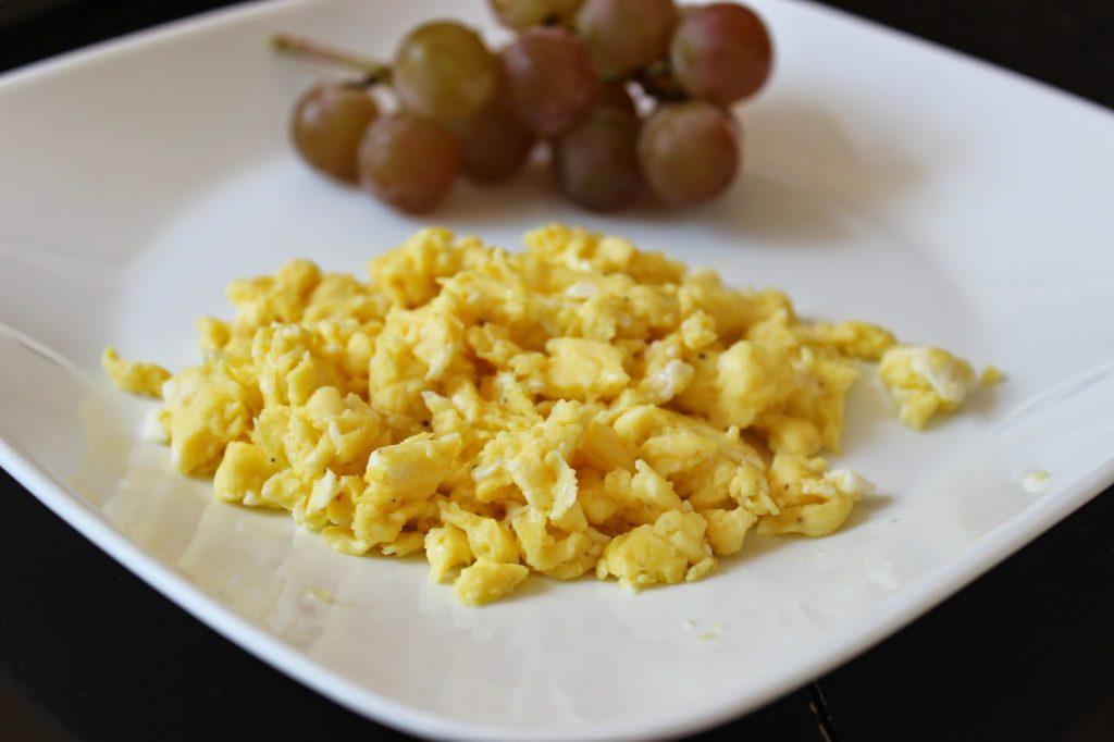 scrambled egg calories
