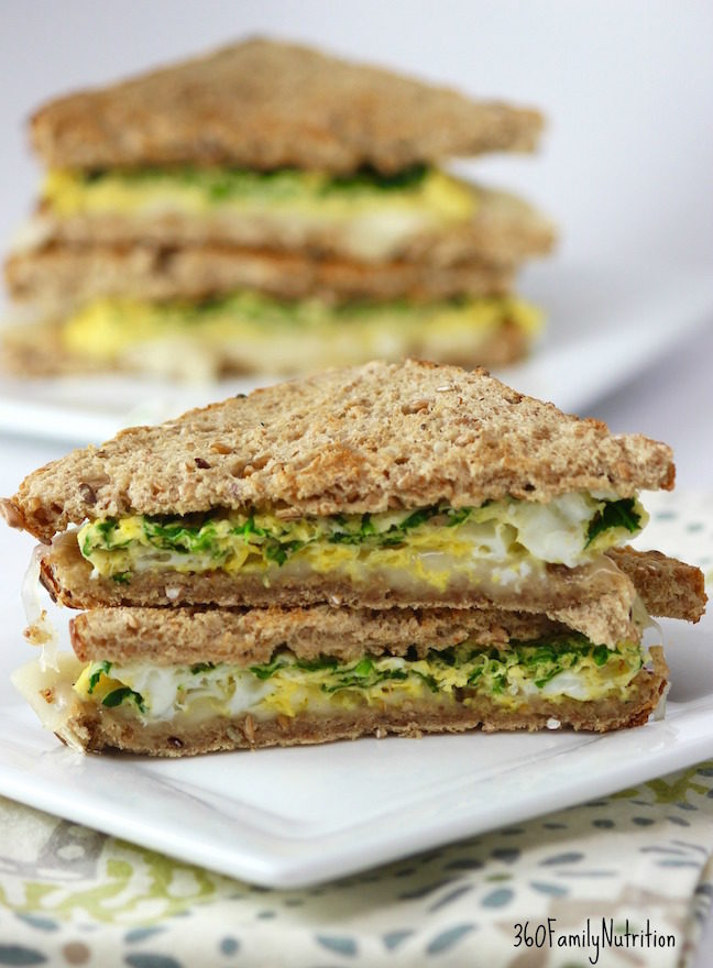Easy Spinach Egg Sandwich